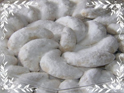 Resep Kue Putri Salju Keju Kacang Mede Spesial Kue Lebaran ...