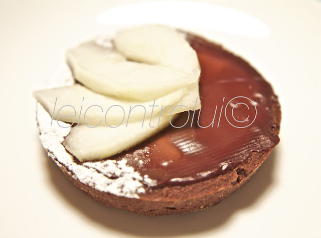 lei: crostatina cioccolato e pere