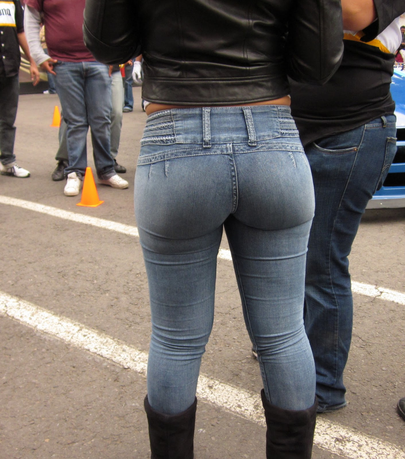 latina tight pants