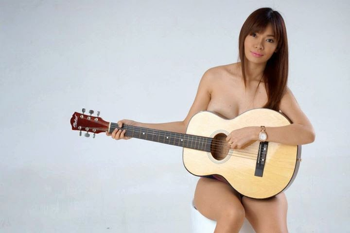 nicole genove naked pics and a guitar 02