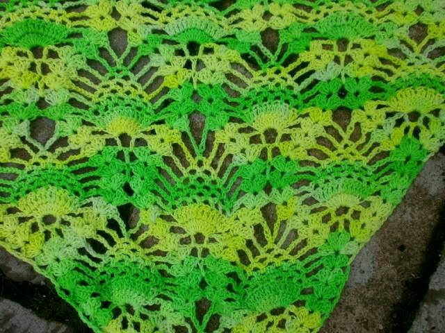 Katrinland: Tuch im Ananasmuster
