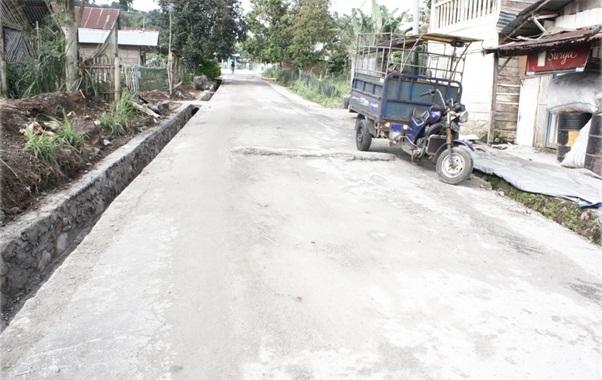 Pengecoran Bahu Jalan dan Drainase Jl. Inyiak H. Ali / Labuah Baru Selesai Dilaksanakan