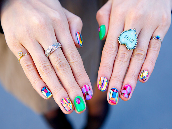 Nail Art Trends: How to Shape & Color Nails?