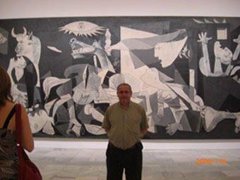 CON PABLO PICASSO EN EL MUSEO REINA SOFÍA DE MADRID