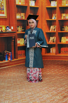 Grad Bachelor Degree 2012...^^