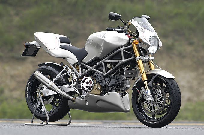 Racing Caf U00e8  Ducati Monster 1100 S Ie By Riding House
