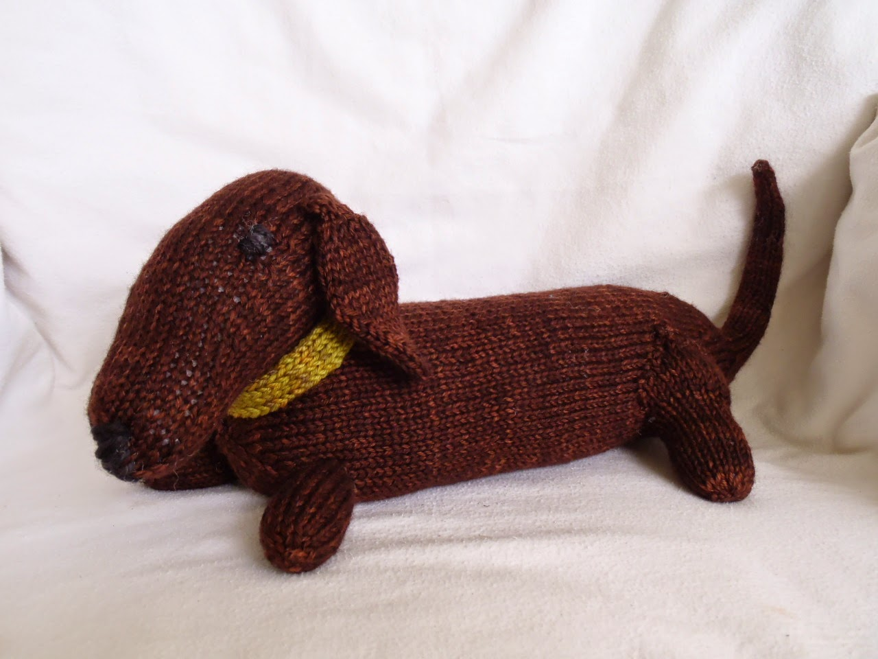 Knitted Dachshund Pattern : Stanas Critters Etc.: Knitting Pattern for Jelly, the ...