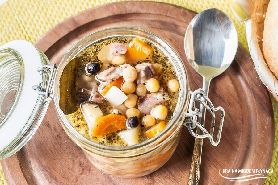 grochóka, zupa grohowa, groch łuskany, zupa z grochu, rozgrzewająca zupa, jesienna zupa, jesień,