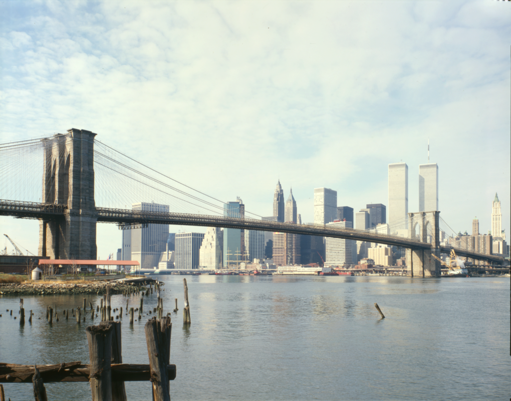 new york history geschichte woolworth building and brooklyn bridge. Black Bedroom Furniture Sets. Home Design Ideas