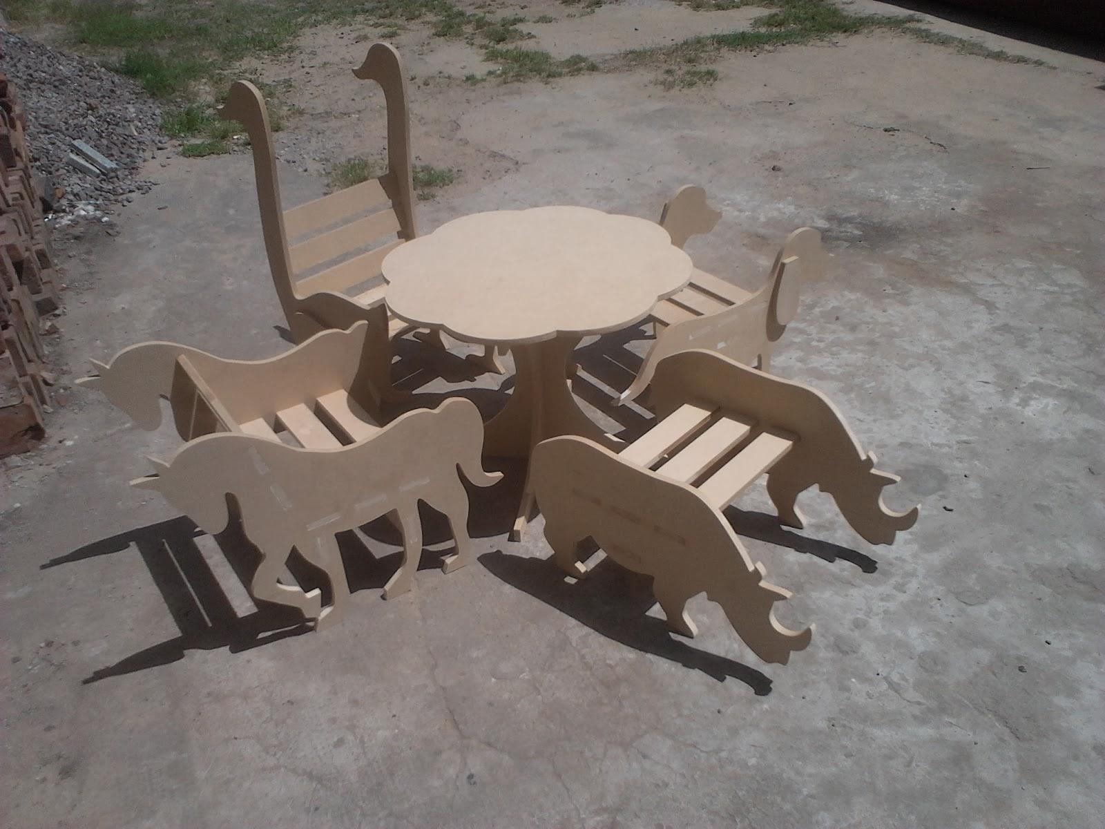 Muebles Routeados - Cnc W O R K S 2014[mjhdah]http://acaespacios.com/wp-content/uploads/2016/08/MUEBLE-PARA-SALA-2-1.jpg