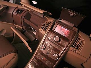 Mahindra XUV 500 music system