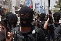الجيش يتعقب عشرات من حماس وحزب الله  بمنطقة القناة وسيناء دخلوا البلاد لتنفيذ أعمال تخريبية عقب أعلان نتائج الانتخابات الرئاسية ومناشدة للمواطنيين بالابلاغ عن أى عنصر منهم