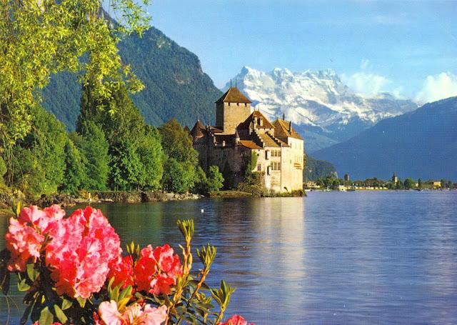 ve may bay di thuy si gia re - Lâu đài Chillon ở Thụy Sĩ