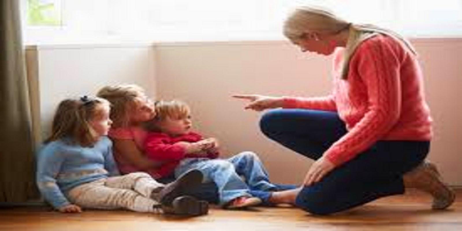 Informar a una madre adolescente inapropiada