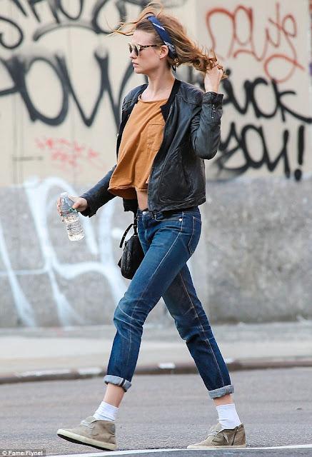 Style Guide CT: SA Angel Behati Prinsloo's Street Style