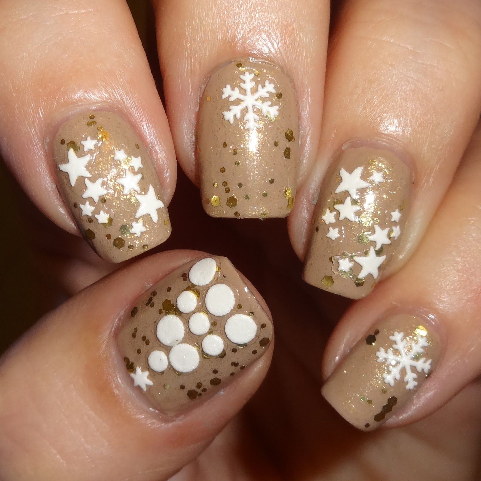Wendy\'s Delights: Snowflake Nail Stickers from Sparkly Nails