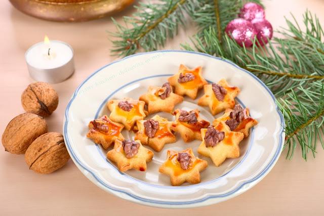 Kekse mit Nuss. Edyta Guhl.