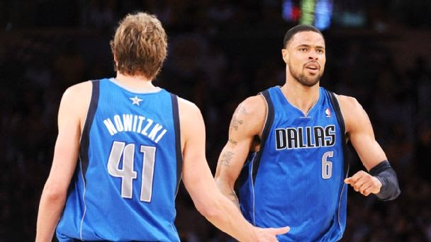 Moving centers: Tyson Chandler traded to Dallas, and Asik to New Orleans