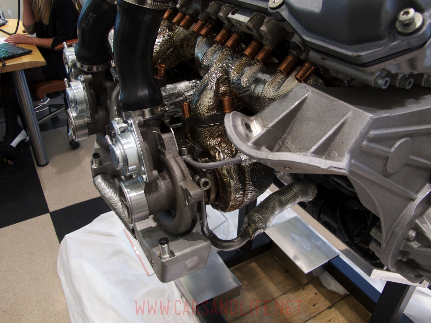bugatti veyron w16 engine and gearbox at hr owen london cars life c. Cars Review. Best American Auto & Cars Review