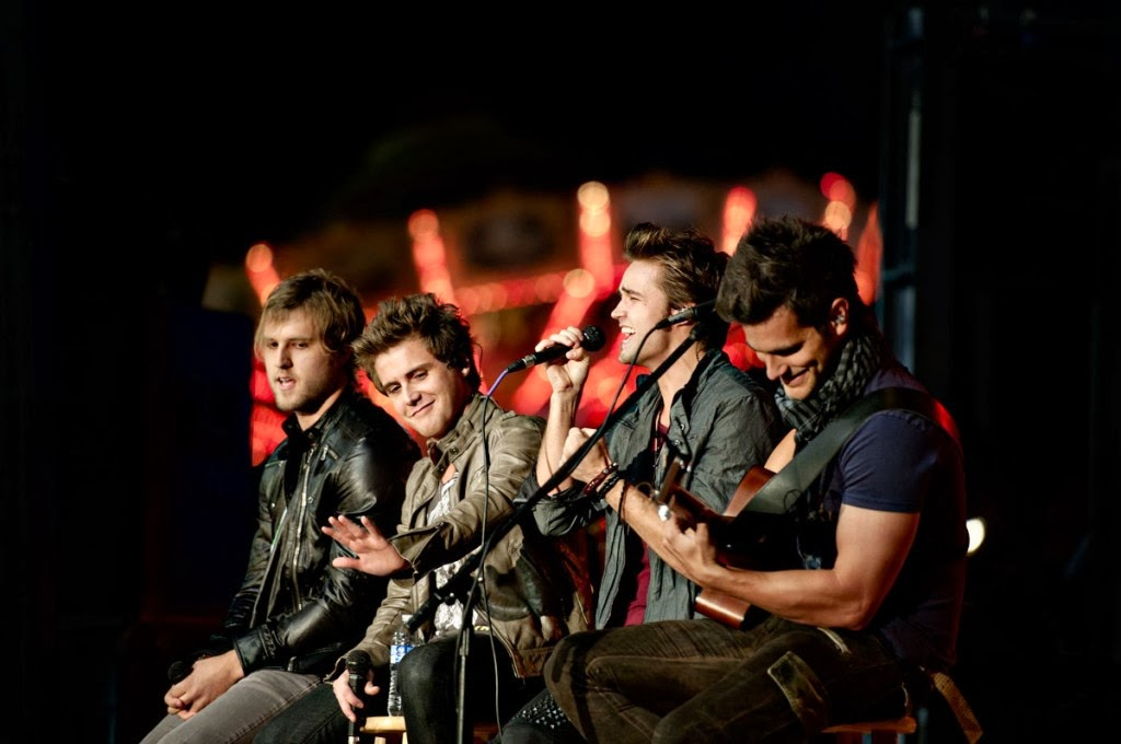 Anthem Lights - You Have My Heart (2014) singing live on stage