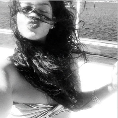 Rihanna-Flashes-Sexy-Bikini-Body-in-Sardinia
