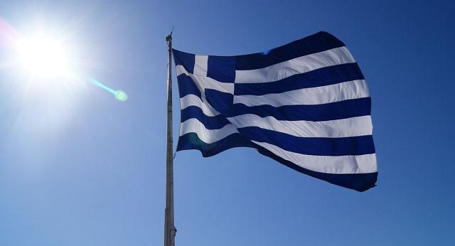 «Ετσουξε» πολλούς το Ελληνόπουλο: Η αλήθεια για την έπαρση της σημαίας στην Κρήτη
