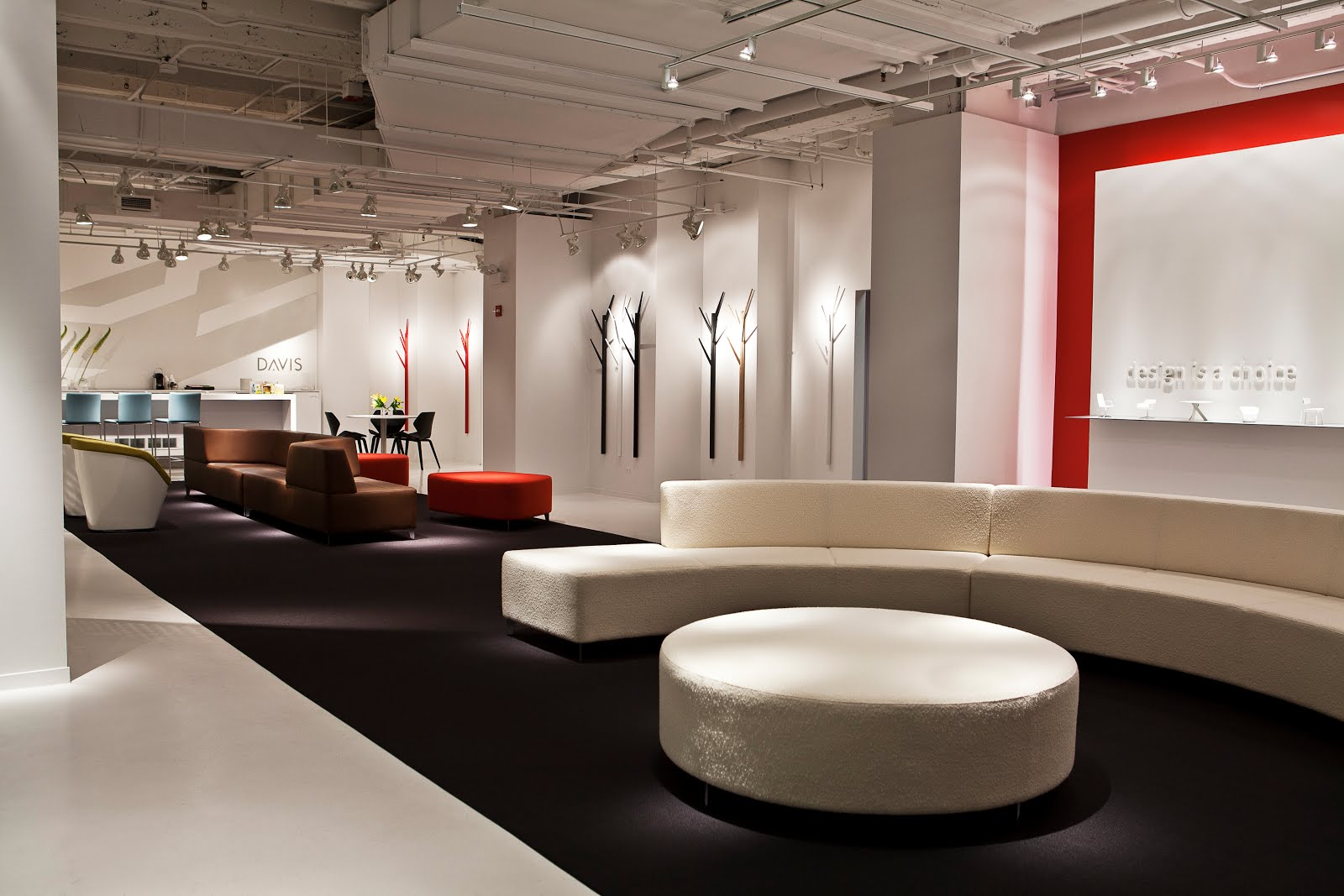 Davis Furniture Showroom Chicago 2011 J Robert Bazemore