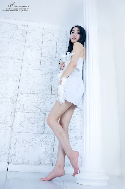Gadis Asia Cantik dan Seksi