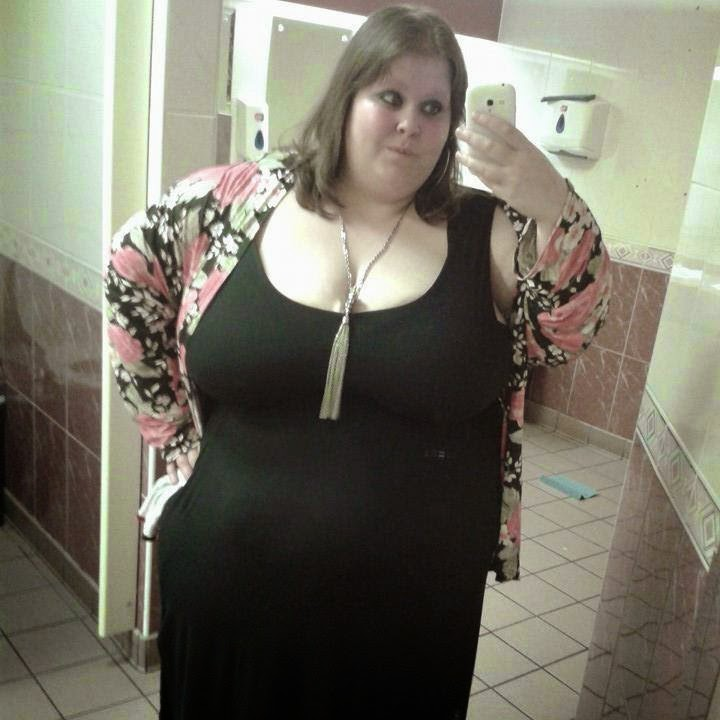 Fat black girl selfie