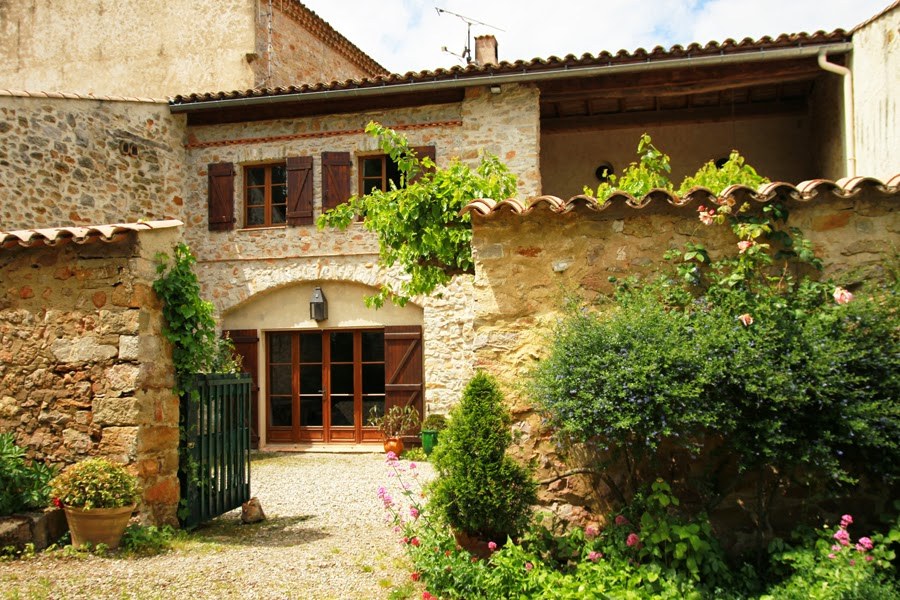 At Home De domaine de belcastel self catering
