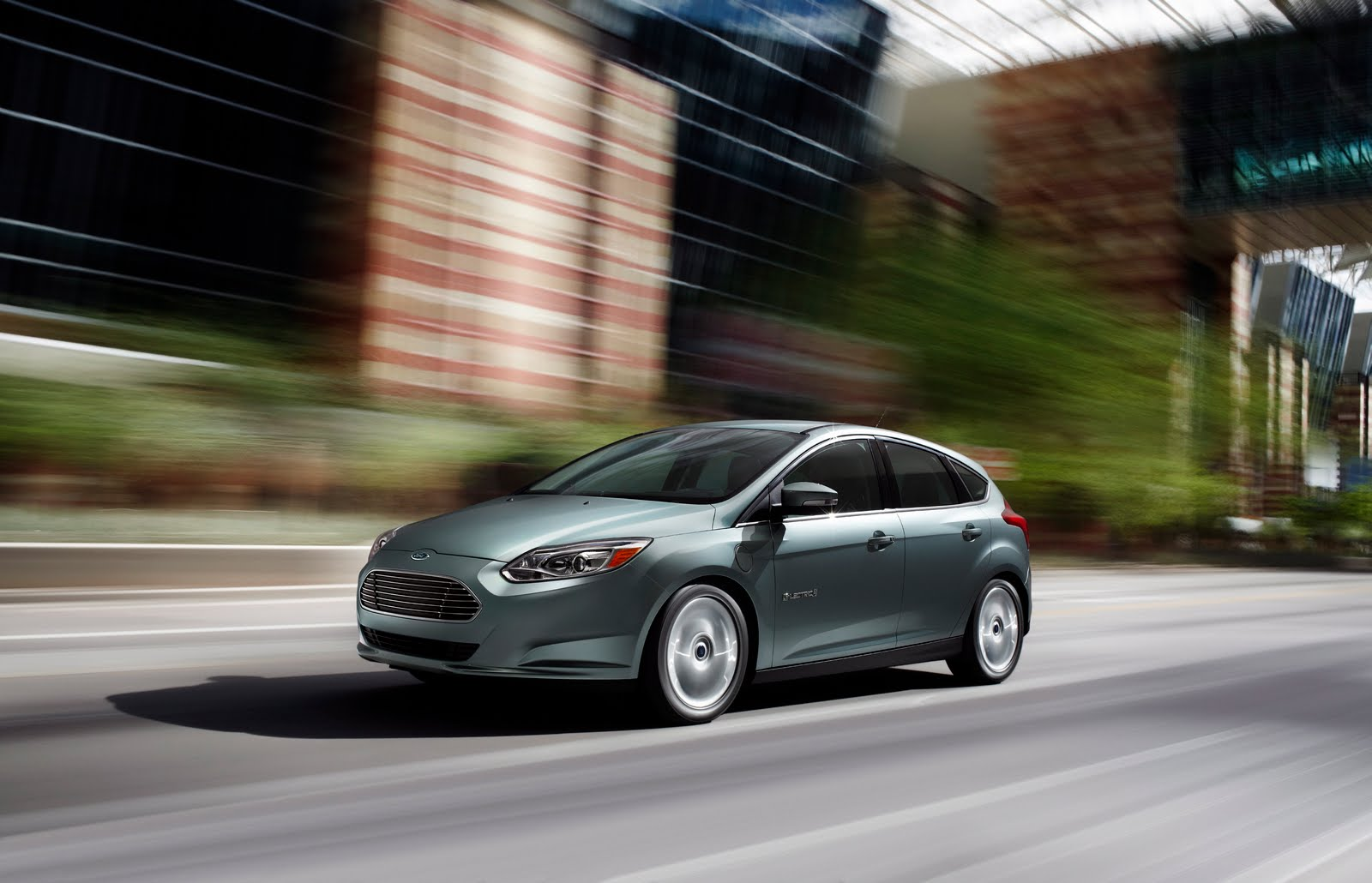 California Orders Automakers to Sell More Electric Vehicles