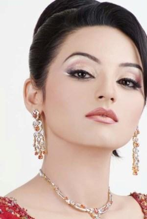 Pakistani-Party-Makeup-Trends-2013-14