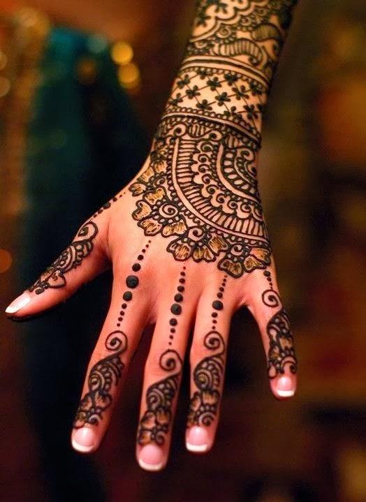Mehndi Flower Hair : Bollywood style henna design