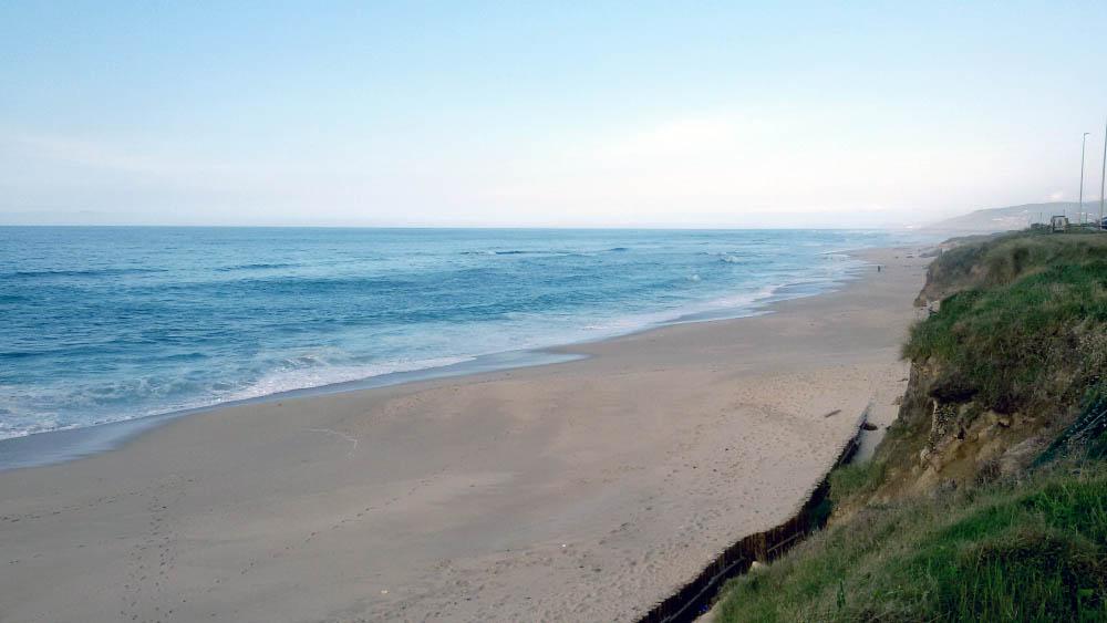Surf for Beginners-Surf para principiantes. Visit www.forarealwoman.com #blogger