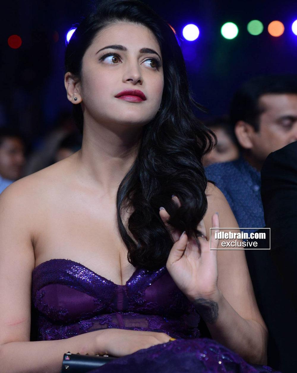 Mallufun.com: Shruthi Hassan