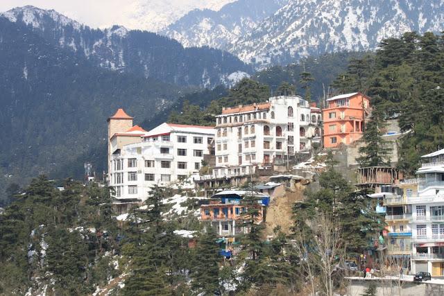 Дармсала. Вид из дворца Далай ламы зимой