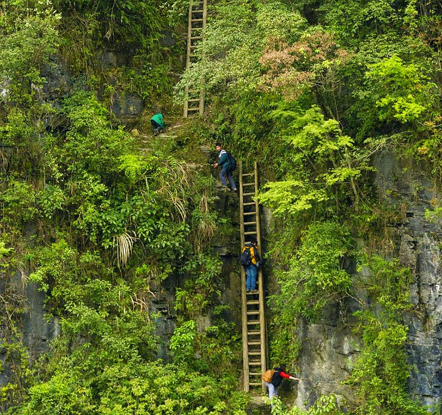 20 Of The Most Dangerous And Unusual Journeys To School In The World - Zhang Jiawan Village, Southern China