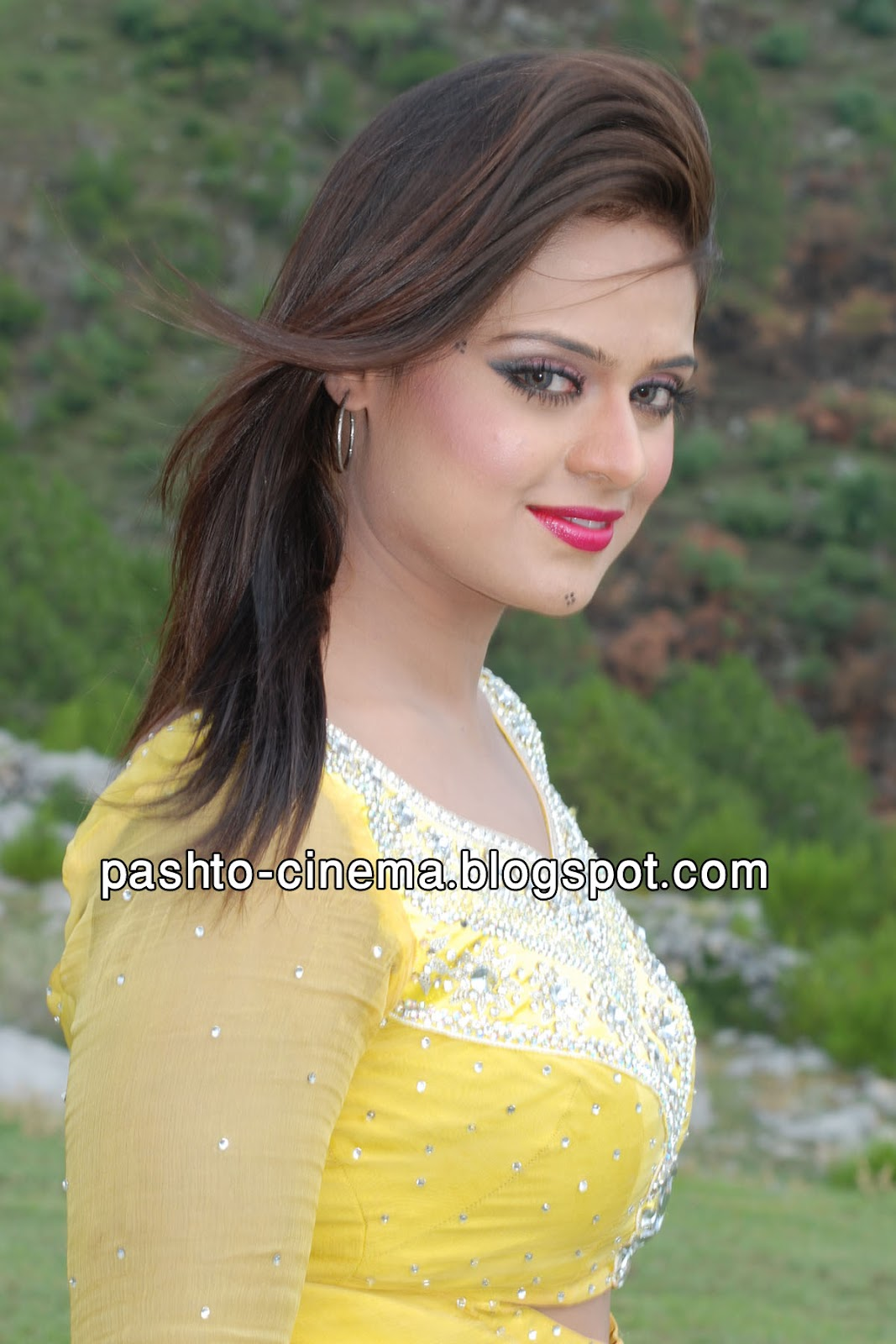 "Sobia Khan New Pictures in Film ""Qasam"" Yellow Dress"