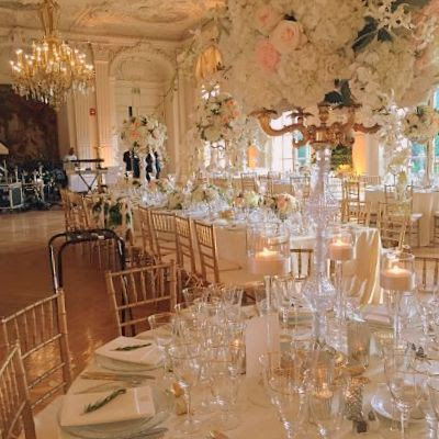 floral decor at rosecliff mansion ri