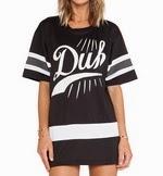 http://www.stylemoi.nu/stripe-sleeve-word-print-boyfriend-t-shirt.html