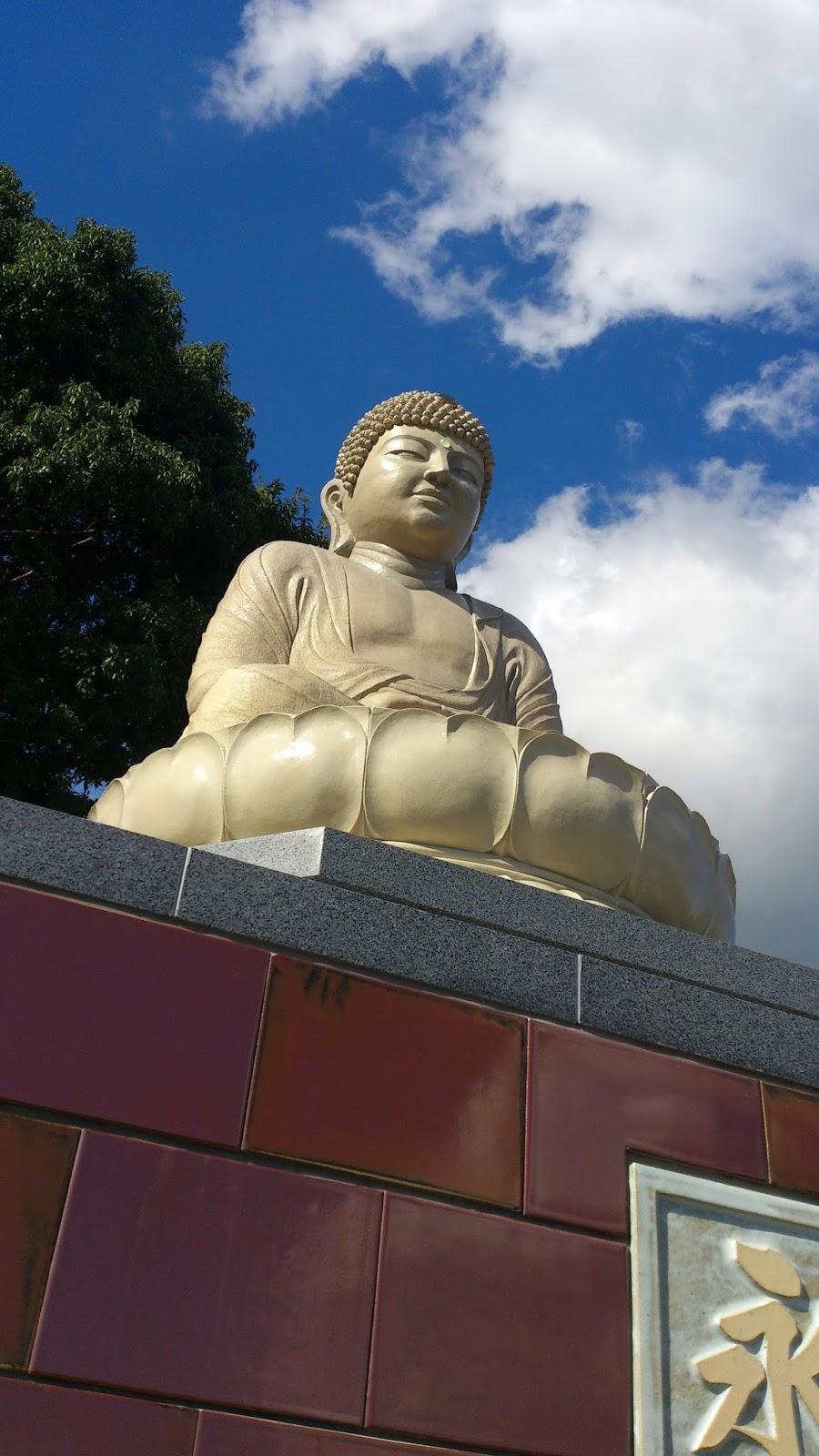 藤原陶房 What's New: ●益子町観音寺・益子大仏が完成しました。