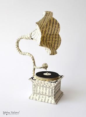 paper-art-miniature-gramophone