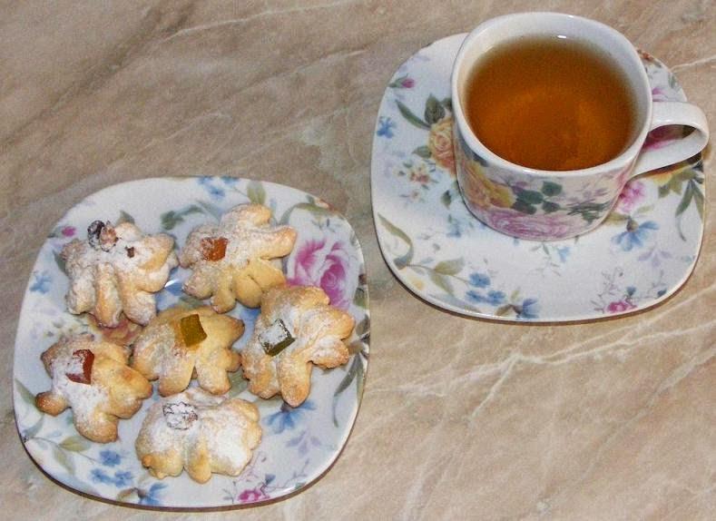 dulciuri, deserturi, gustare, fursecuri, ceai, fursecuri cu nuca si rahat cu ceai din plante, retete gustare, mic dejun, reteta gustare, retete mic dejun, ceai de plante, ceai cu fursecuri, retete culinare, retete pentru intalniri romantice, gustari,