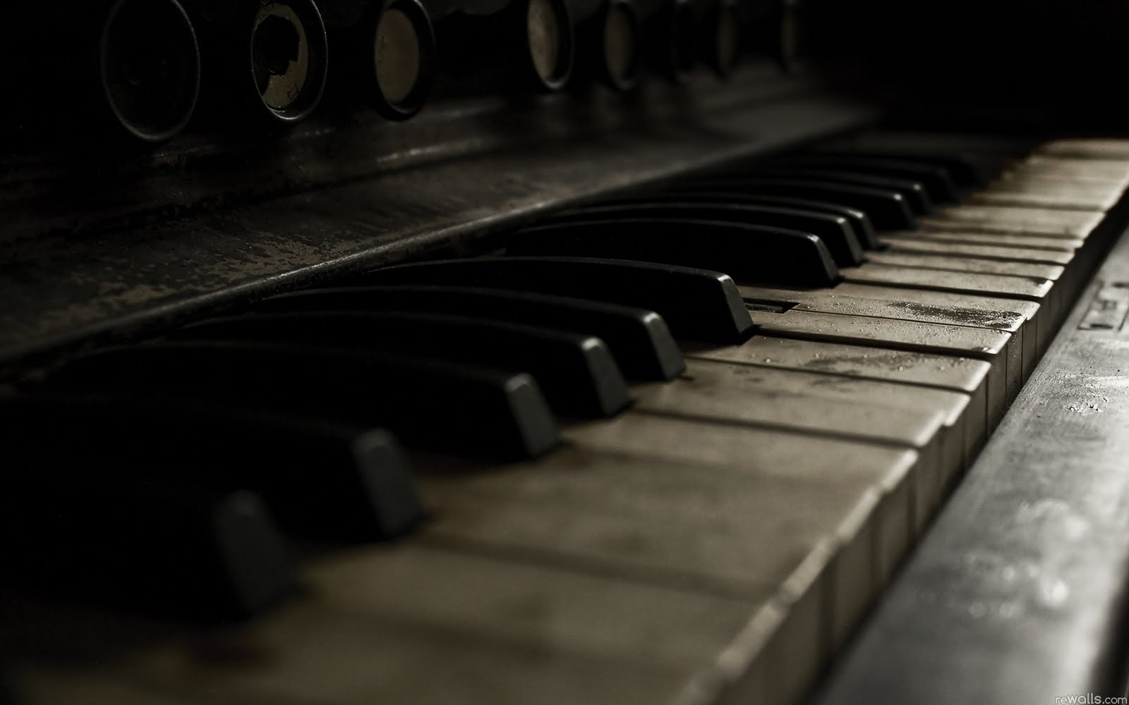 Norbi 39 s blog september 2011 - Cool piano backgrounds ...