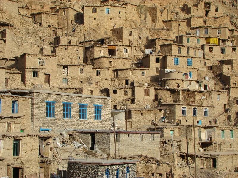 Palangan村の家々
