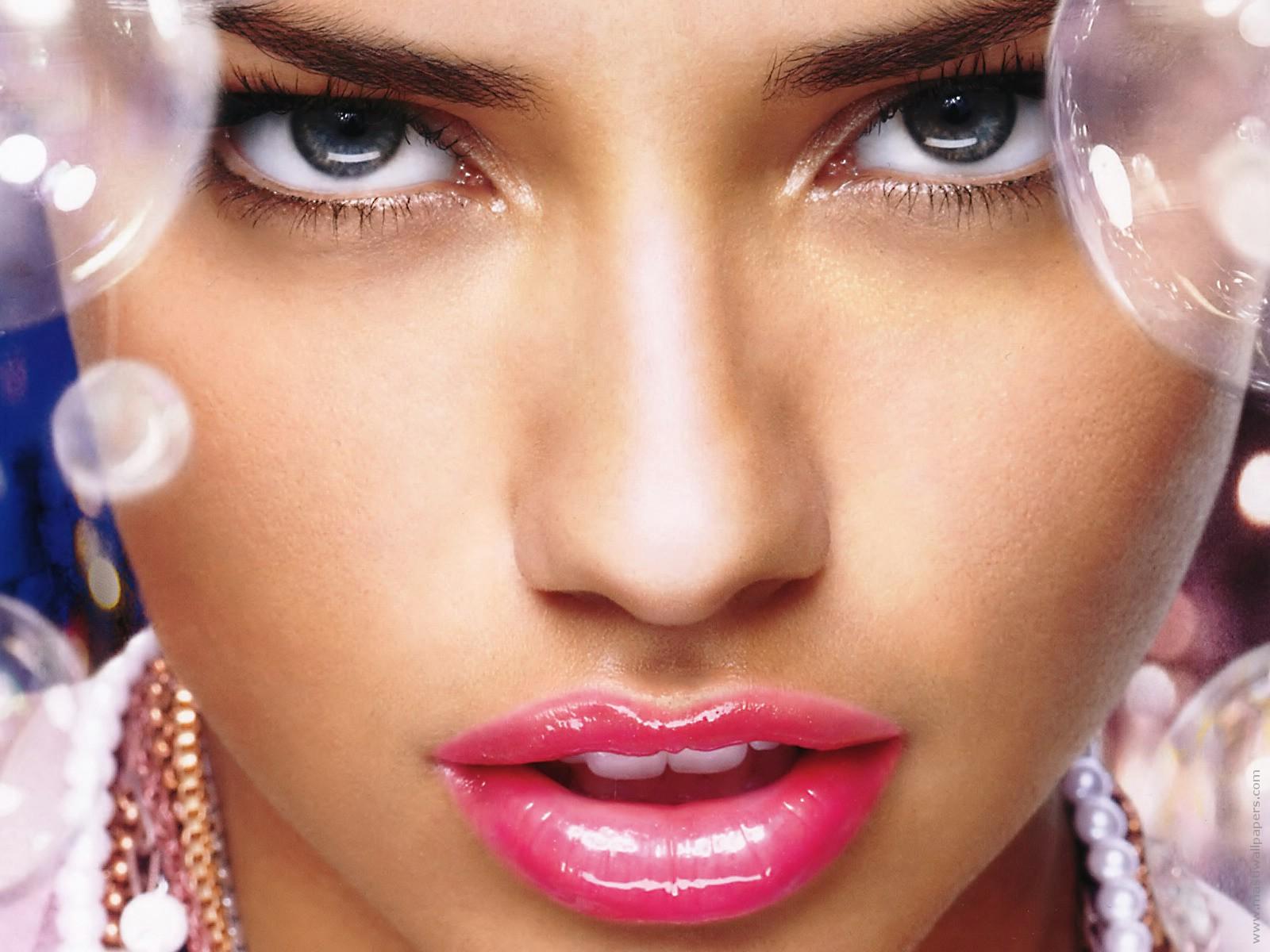 http://2.bp.blogspot.com/-Hzs4LdVDMNo/T0z7l9yDPQI/AAAAAAAAM3U/DyIcaO-19U4/s1600/Adriana+Lima+High+Quality.jpg