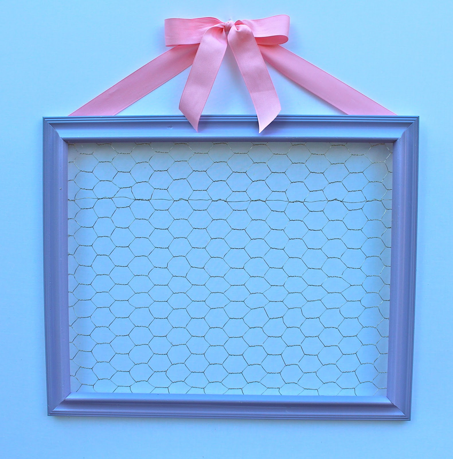Make It Monday- Chicken Wire Display Frame - Bloom Designs