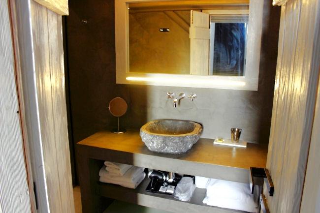Elegant suite sharing pool (room 51) in Liostasi hotel & spa (Ios Greece). Best hotels in Ios. Honeymoon hotels in Greece. Luxury hotels in Ios.Luxury hotels in Greece.