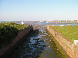 eastern end of portsmouth canal milton lock
