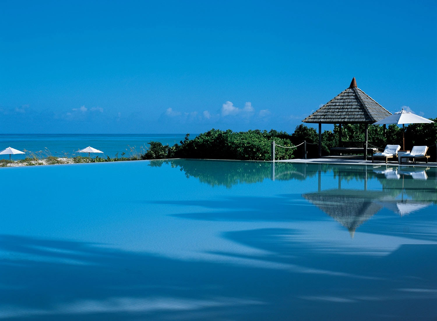 Wallpaper beauty of nature cayo espanto islands is a for Best luxury beach resorts in the world